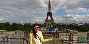 Look de Paris: um toque amarelo
