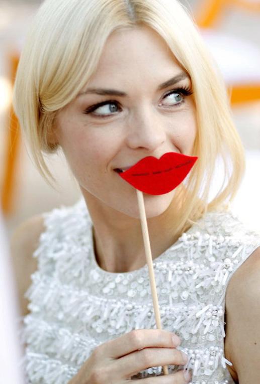 red-lips-batom-vermelho-blog-da-lari-lari-duarte-.com-inspiração-make-up-maquiagem-beleza-beauté-beauty-dica-de