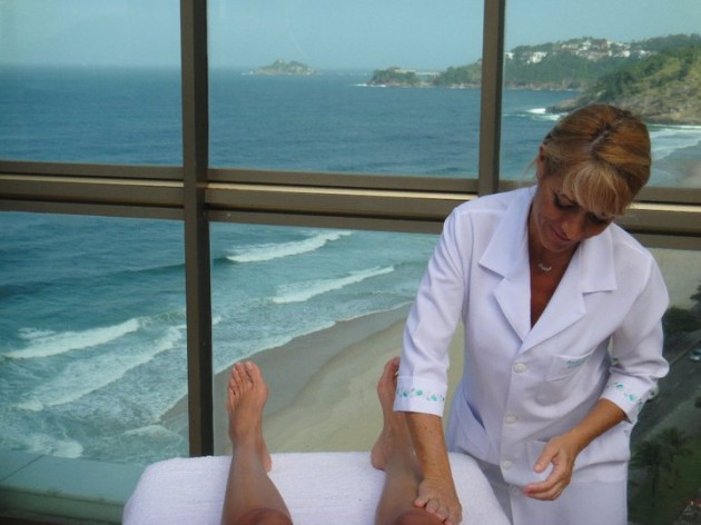Anna-Massoterapia-Rio-de-Janeiro-Lari-Duarte-.com-drenagem-massagem-turbinada