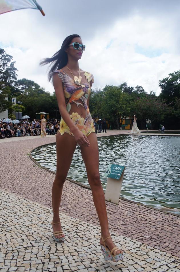 A top Laís Ribeiro