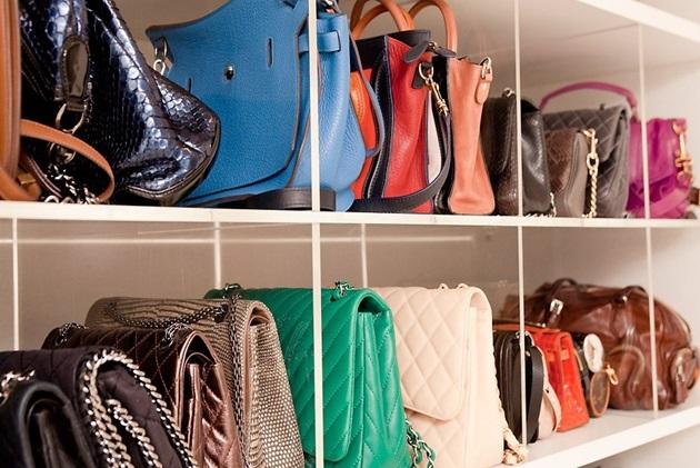 closet-como-organizar-Lari-Duarte-site-blog-dicas-de-organização-personal-organizer-sapatos-sapateira-acessórios-colares-pendurados-