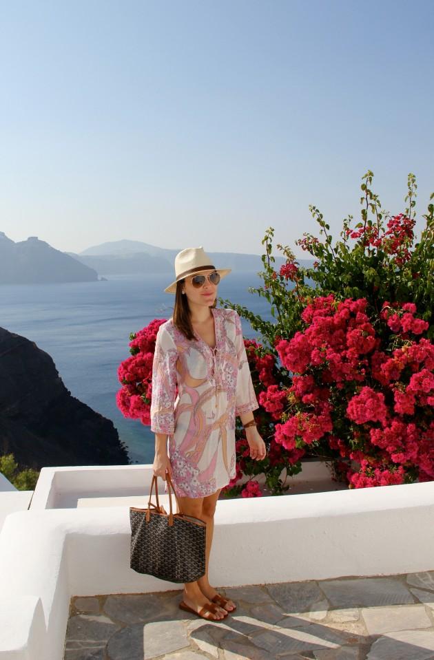 Santorini-Canaves-Oia-Greek-Grécia-dicas-ilhas-gregas-Lari-Duarte-viagem-blog-
