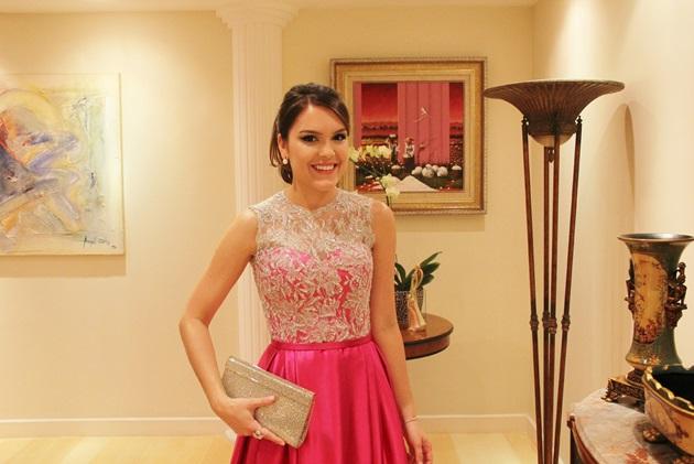 Look-madrinha-de-casamento-inspiração-Lari-Duarte-Glorinha-Pires-Rebello-vestido-de-festa-moda-pink-