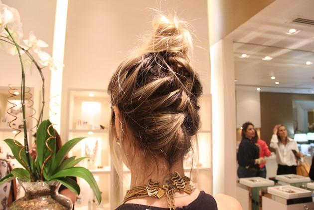 Detalhe para o penteado MARA da Júlia