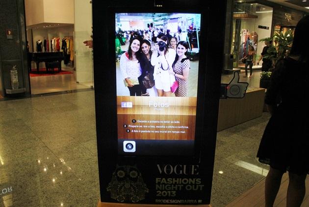 Máquina onde tirávamos foto e ia direto para a Fanpage do shopping