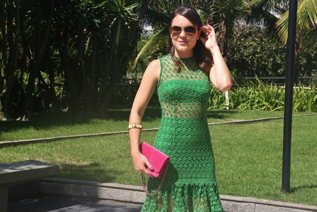 Lari-Duarte-look-do-dia-Skazi-moda-verde-com-rosa-1