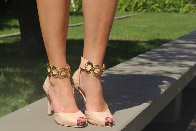 Lari-Duarte-look-do-dia-Skazi-moda-verde-com-rosa-Carmen-Steffens-2