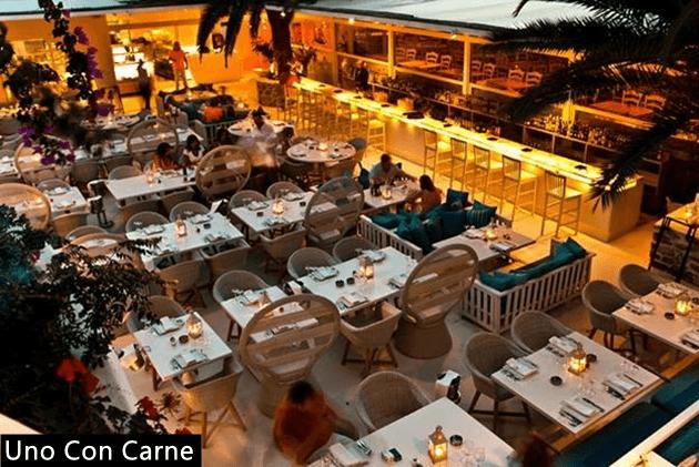Restaurante-Mykonos-dicas-onde-comer-Lari-Duarte-Uno-Con-Carne