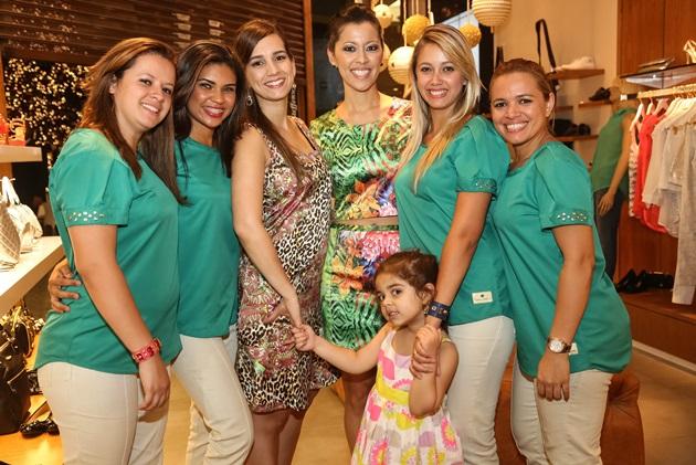 Priscilla Amaral e Larissa Tinoco com equipe fofa e querida da Carmen Steffens RDB