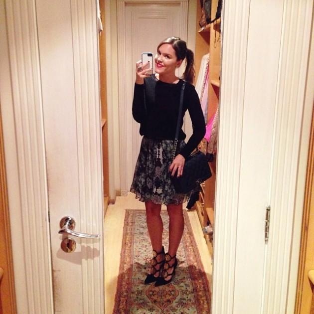 Sunday look: blusa Zara/ saia Iorane para Fabric & Co/ sapatos Mixed/ bolsa Chanel