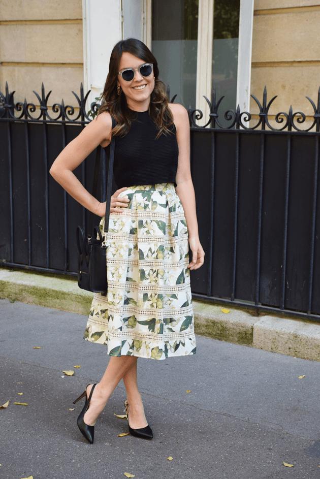 Paris-streetstyle-Iorane-Cropped-midi-saia-skirt-print-flowers-floral-estampa-Carmen-Steffens-Lari-Duarte-blog-blogger-look-du-jour-outfit-inspiration-streets-parisien-8
