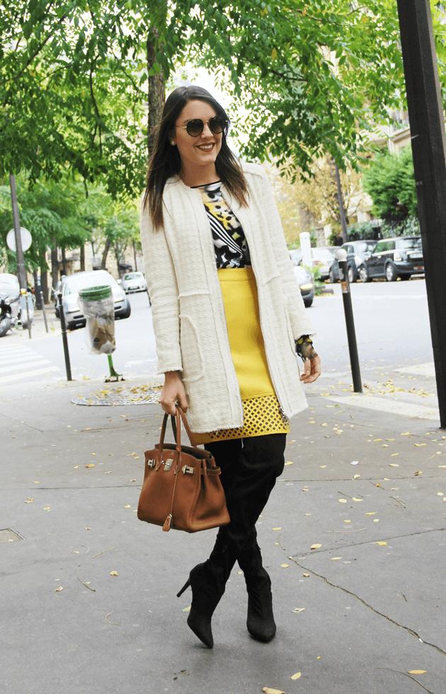 Look-do-dia-street-style-Paris-blogger-inspiration-parisien-saia-lápis-amarela-body-como-usar-Lari-Duarte-ruas-11