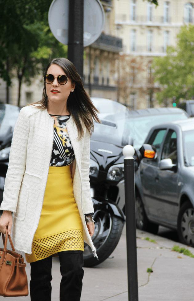 Look-do-dia-street-style-Paris-blogger-inspiration-parisien-saia-lápis-amarela-body-como-usar-Lari-Duarte-ruas-6