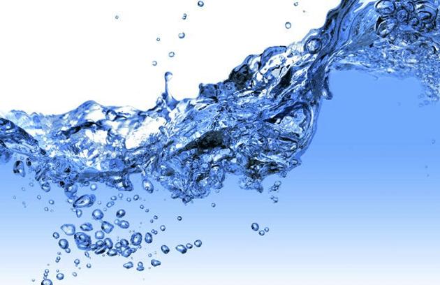 benefícios-da-água-termal-dicas-maquiagem-beleza-pele-cuidados-Lari-Duarte-blog-1
