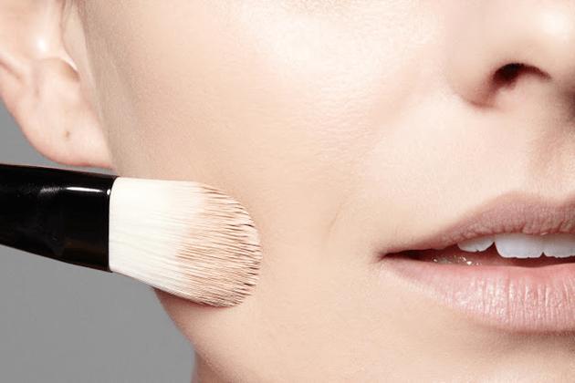 Tutorial-como-fazer-a-pele-perfeita-na-maquiagem-dicas-blog-Lari-Duarte-maquiador-Danilo-Severo-Rio-1