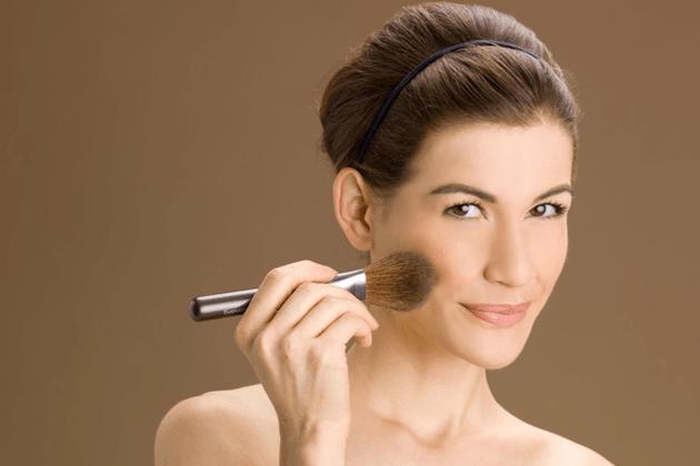 Tutorial-como-fazer-a-pele-perfeita-na-maquiagem-dicas-blog-Lari-Duarte-maquiador-Danilo-Severo-Rio-6