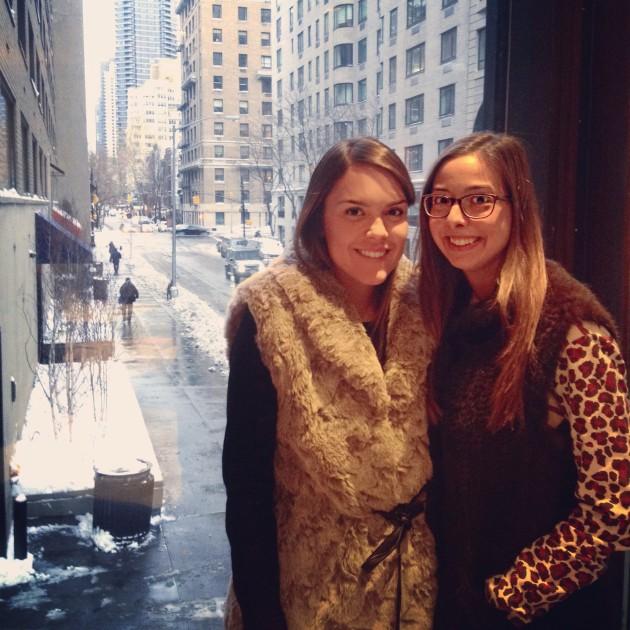 Eu com minha grande amiga Isabela no Serafina
