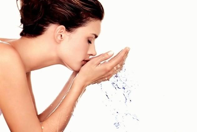 pele-hidratada-Lari-Duarte-durante-vôo-avião-cuidados-o-que-fazer-beleza-truques-Vanessa-Metz-dermatologista-Ipanema-Rio-contato-endereço-pele-perfeita-3