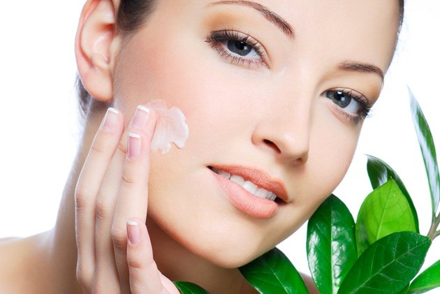 pele-hidratada-Lari-Duarte-durante-voo-avião-vanessa-metz-dermatologista-Rio-Ipanema-contato-Fórum-beleza-dicas-pele-linda-2