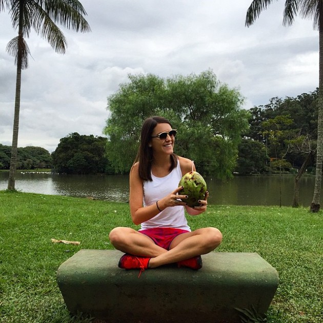 Pit-stop básico no Parque Ibiraquera com direito a água-de-coco ; )