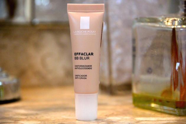 Effaclar BB Blur BB Cream La Roche Posay novidade lançamento tudo sobre resenha como usar opinião beleza maquiagem base dia a dia o que usar blog Lari Duarte dicas