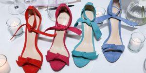 Novo hit no mundo fashion: sandália Clarita