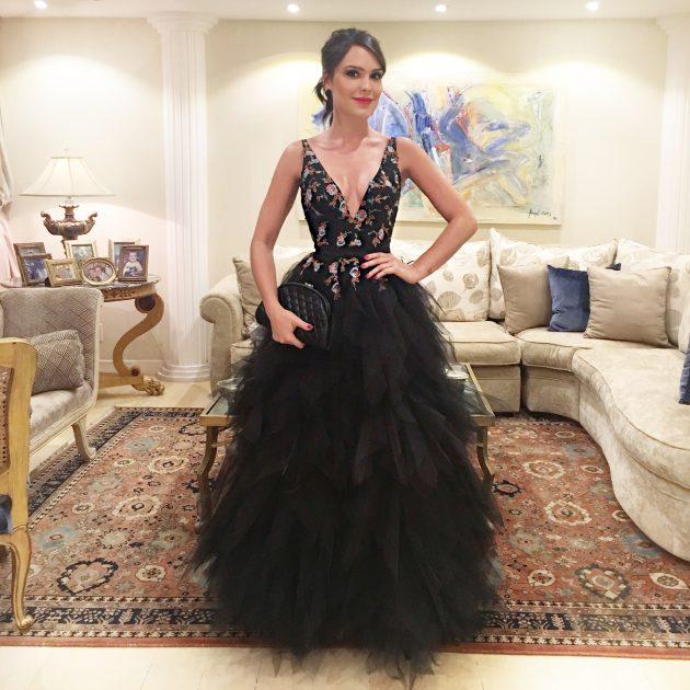 Vestido-de-casamento-moda-festa-madrinha-formanda-debutante-Carol-Hungria-Atelier-Rio-onde-encontrar-dicas-preço-bom-tudo-sobre-Lari-Duarte-casamento-Dandynha-Barbosa