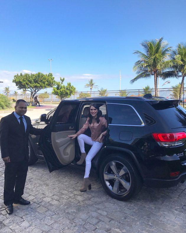 Dica-de-aluguel-de-carro-blindado-no-Rio-de-Janeiro-Blindaquo-bom-preço-segurança-carro-convencional-motorista-transfer-aeroporto-blog-Lari-Duarte-tudo-sobre